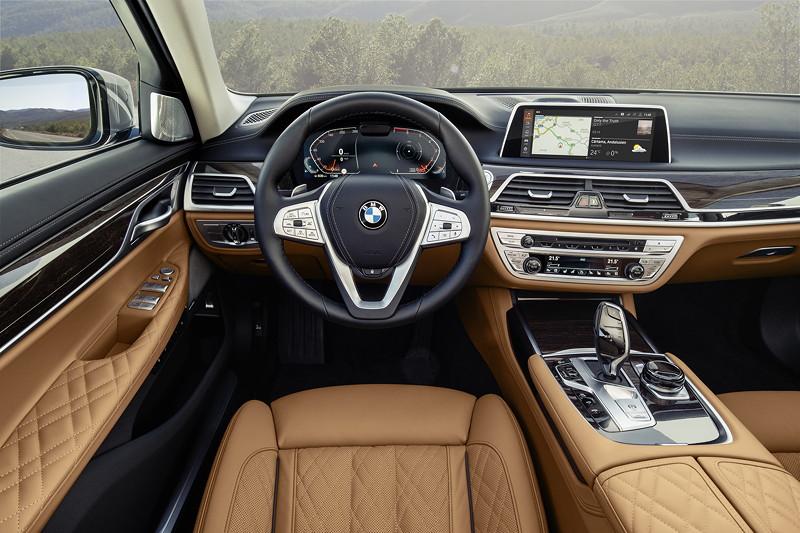 BMW 750Li xDrive (G12 LCI), Cockpit mit neuem BMW Live Cockpit Professional