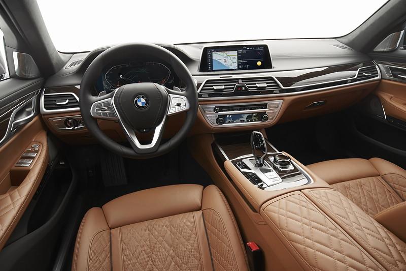 BMW 750Li xDrive (G12 LCI), Cockpit