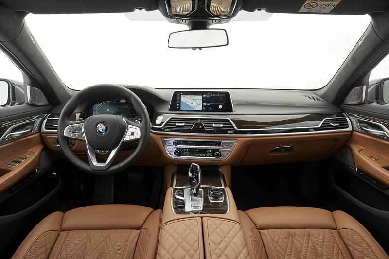 BMW 750Li xDrive (G12 LCI), Interieur in Exklusiv Nappa Cognac