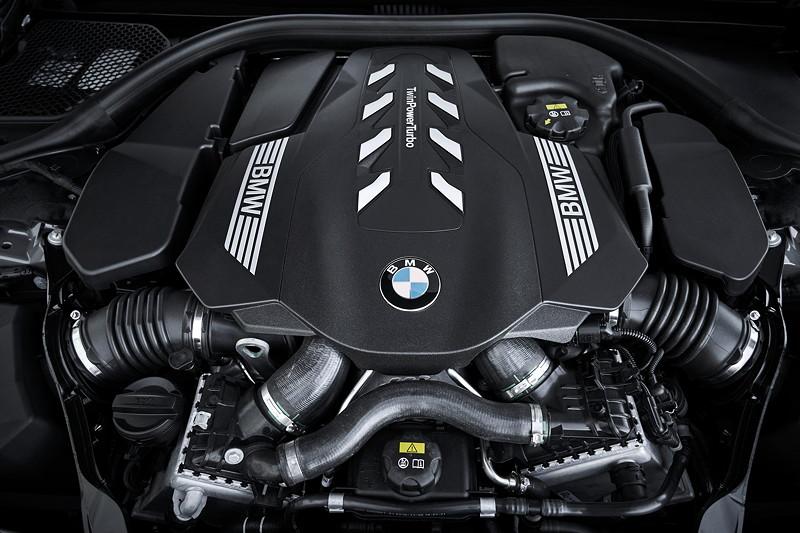 BMW 750Li xDrive (G12 LCI), neuer V8-Motor mit 530 PS