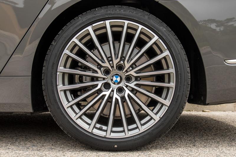 BMW 750Li xDrive (G12 LCI), 20 Zoll LMR Vielspeiche 777 Bicolor