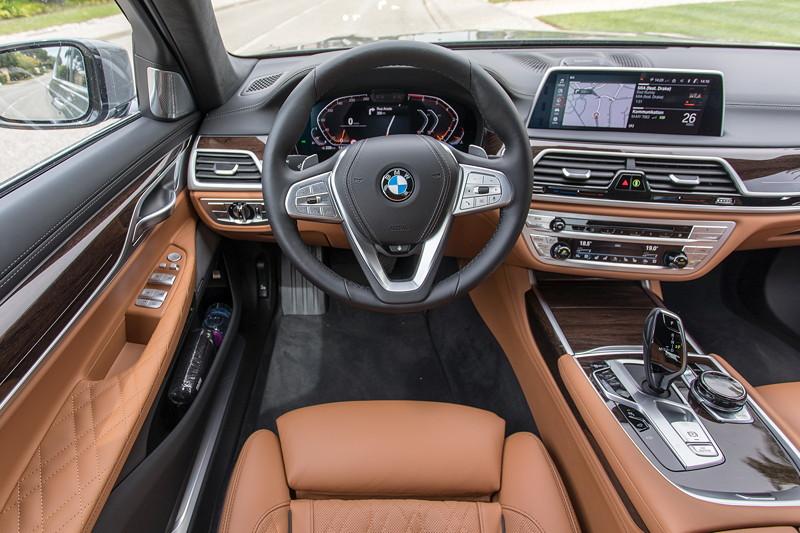 BMW 750Li xDrive (G12 LCI), Cockpit, Innenausstattung Exklusiv Nappa mit erweiterten Umfängen/Steppungen Cognac