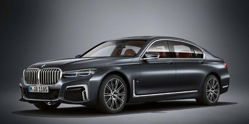 BMW M760Li in BMW Individual Frozen arctic grey