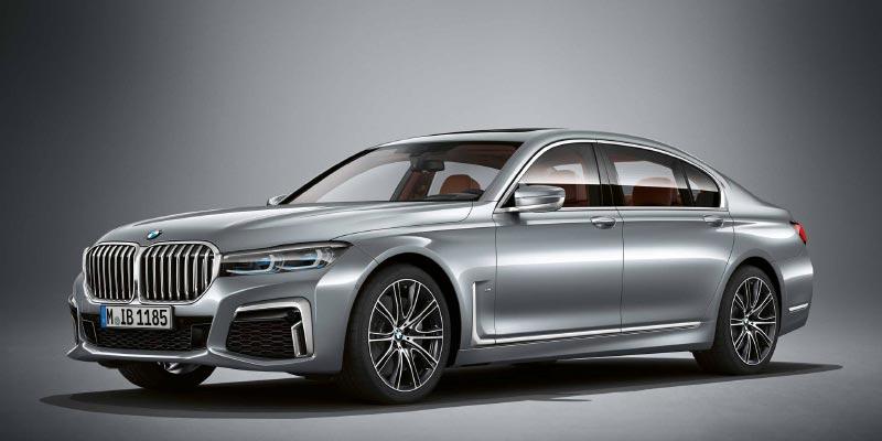 BMW M760Li in BMW Individual Pure metal silver