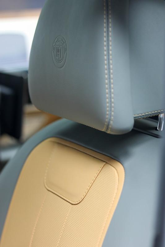 Alpina B7, BiColor Lederausstattung aus der Alpina Manufaktur in den Farben Caramel/Riffe.