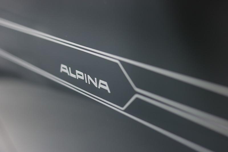 Alpina B7 mit dezenten Zierstreifen