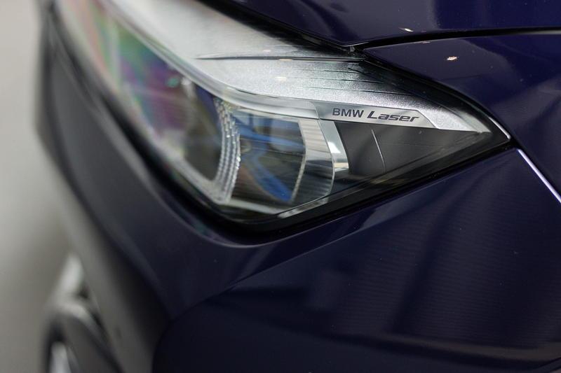 BMW Alpina B7 BiTurbo, mit Laserlicht