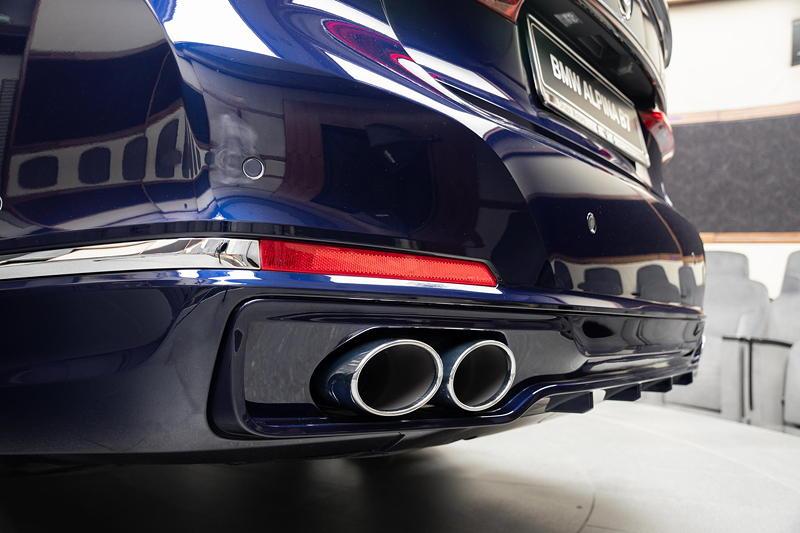BMW Alpina B7 BiTurbo, typische Alpina Doppelrohr Auspuffblenden