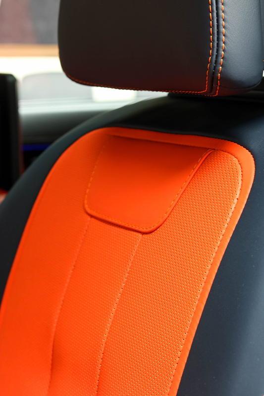 BMW Alpina B7 BiTurbo, Innenausstattung in Bi Color