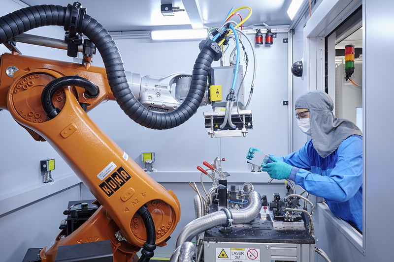 Kompetenzzentrum Batteriezelle: Schweißen des Zellgehäuses