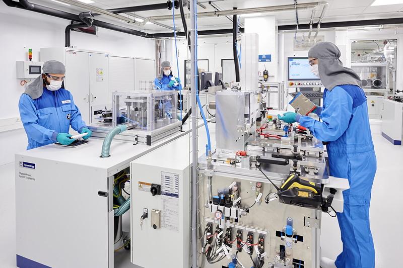 Kompetenzzentrum Batteriezelle: Montage der Batteriezelle