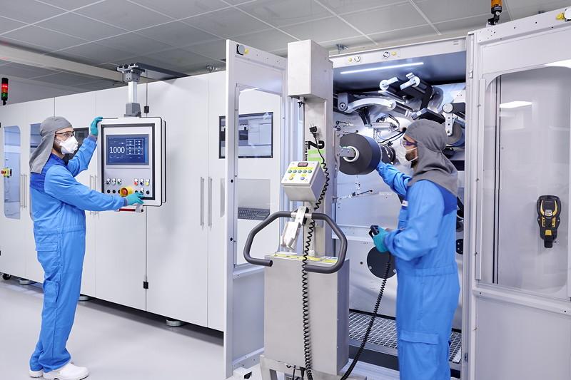 Kompetenzzentrum Batteriezelle: Laserschneiden der Elektrode