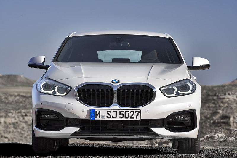 BMW 118i Sportline in Mineralweiss Metallic