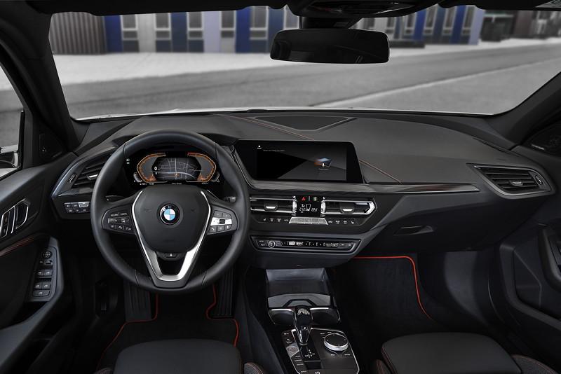 BMW 118i Sportline, Cockpit