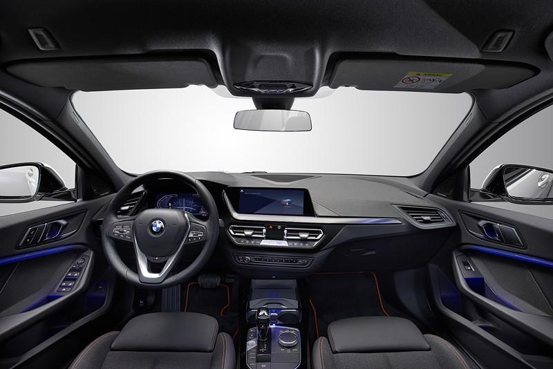 BMW 118i Sportline, Interieur vorne