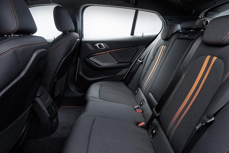 BMW 118i Sportline, Interieur, Fond