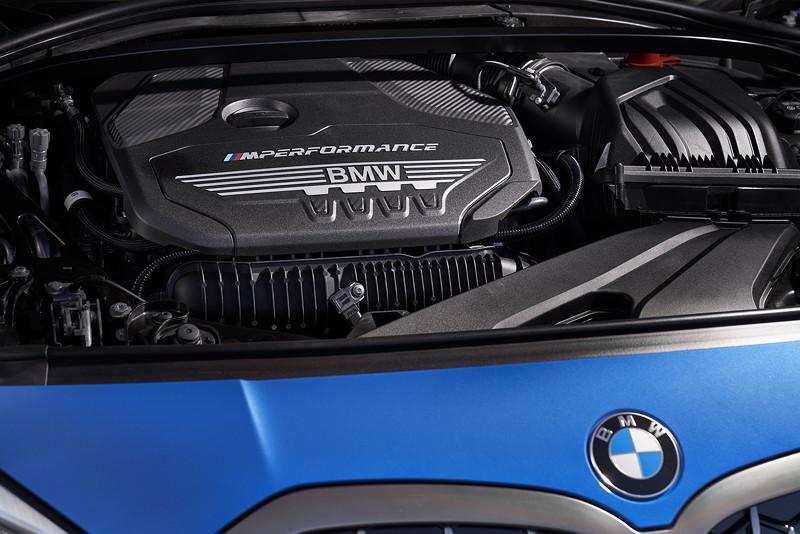 BMW M135i xDrive, 4-Zylinder-Motor