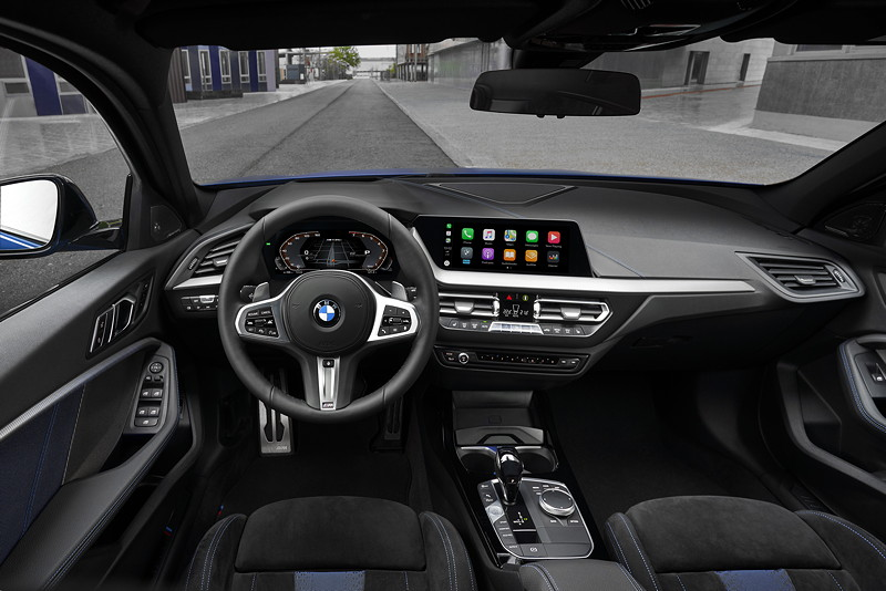 BMW M135i xDrive, Interieur vorne