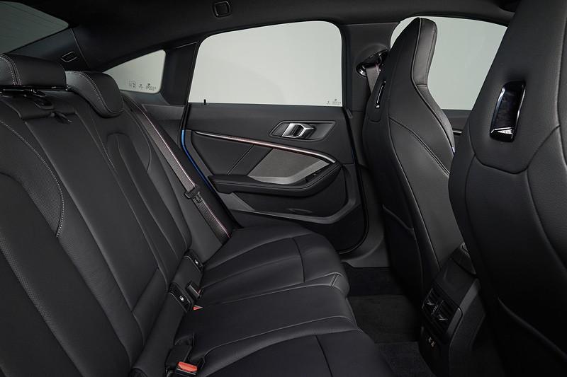 BMW M235i xDrive, Sitze im Fond