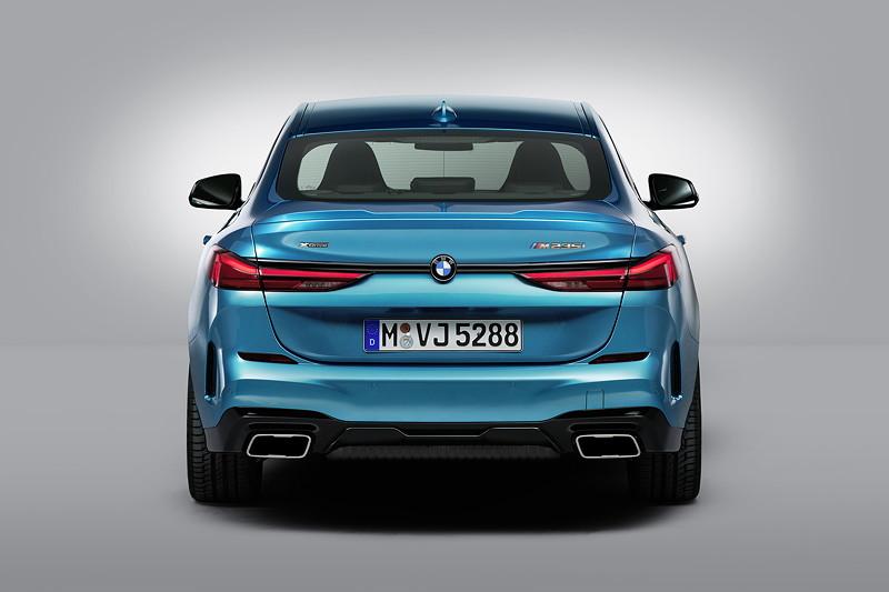 BMW M235i xDrive, Snapper Rocks Blue Metallic, 19 Zoll Felge Styling 552 M