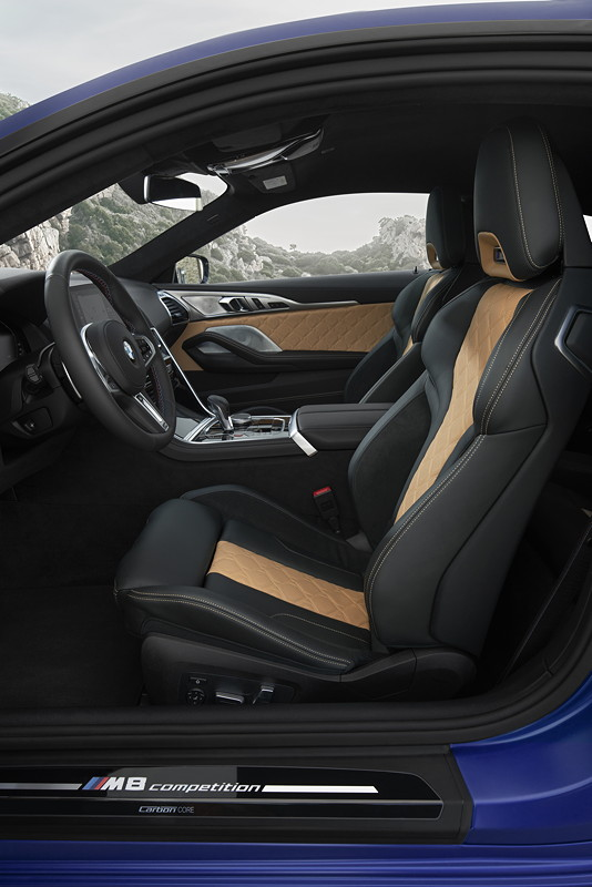 BMW M8 Competition Coupé, Interieur vorne