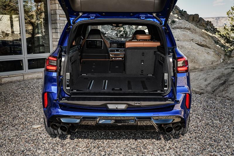 Der neue BMW X5 M Competition (F95). Kofferraum.