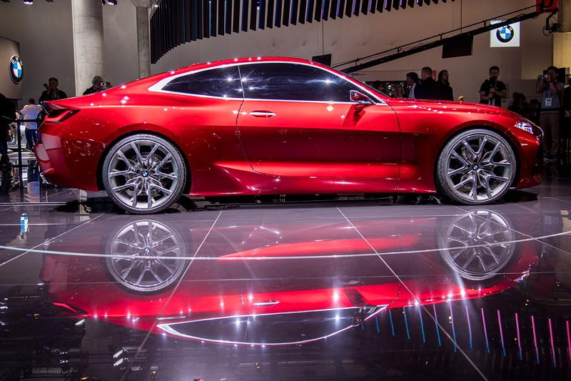 BMW Concept 4: Weltpremiere auf der IAA 2019 - auf 21 Zoll großen Rädern.