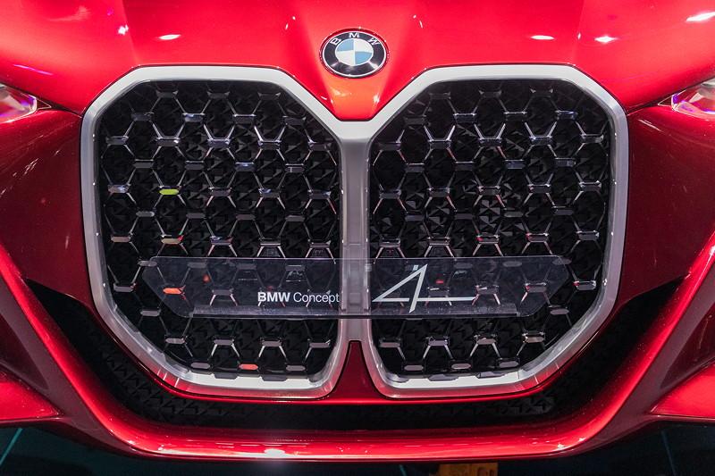 BMW Concept 4, mit einem neuer neuen riesen Niere.