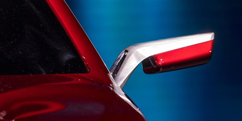 BMW Concept 4, mit super filigranen Aussenpsiegeln.