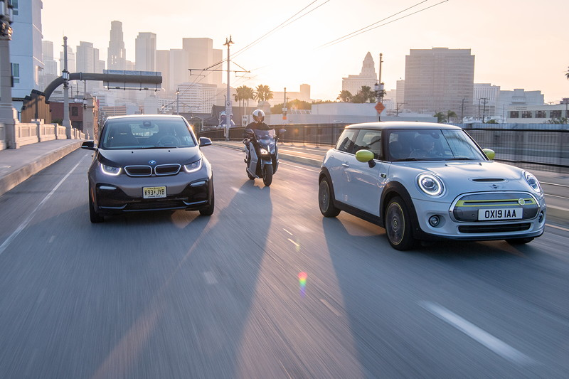 Der neue MINI Cooper SE - zusammen mit dem BMW C evolution und dem BMW i3.
