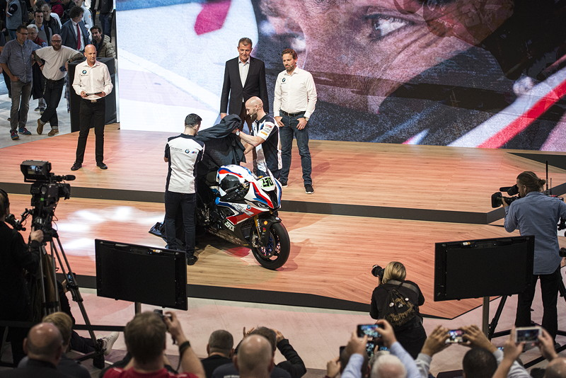 Mailand, 05.11.2019 - EICMA - BMW Motorrad WorldSBK Team Präsentation - Riders: Tom Sykes #66 (GBR) and Fahrer Laverty #50 (GBR) - BMW S1000RR.