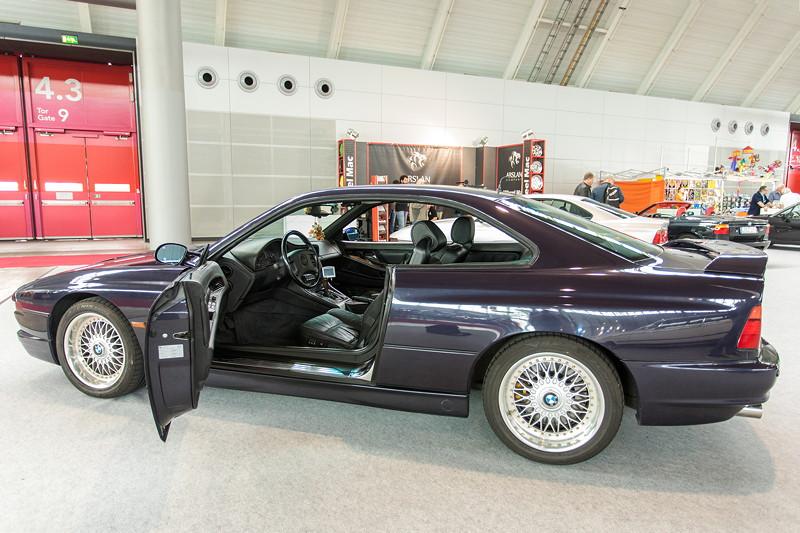 BMW 850 CSi, u. a. mit ASC+T, AHK, Servotronic, Lenksäule elektr., Diebstahlwarnanlage mit Innenraumsfhutz, IR-Fernbedienung