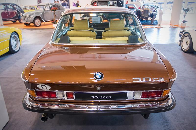 BMW 3,0 CS (Modell E9), Leergewicht: 1.400 kg, 5-Gang-Mittelschaltung
