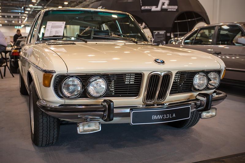 BMW 3.3 L A (Modell E3), ab 1971 gab es die 3,3 Liter Variante, ab 1976 auch als Einspritzer