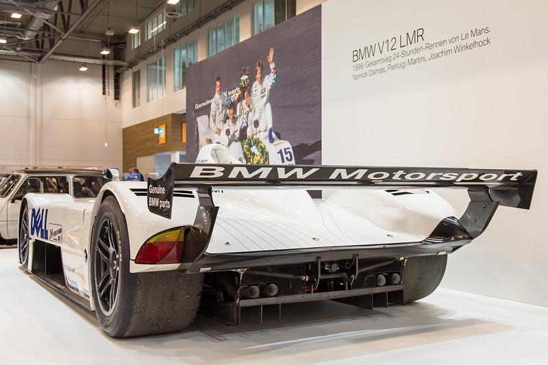 BMW V12 LMR, mit V12-Motor und 580 PS, 900 kg schwer, 300 km/h schnell.