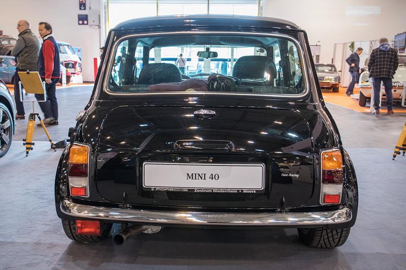 Mini 40, Leergewicht 770 kg; mit 4-Gang-Handschaltung.
