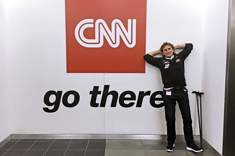 New York (USA), 8. Januar 2019. Alessandro Zanardi, Medien, Tour, CNN International.