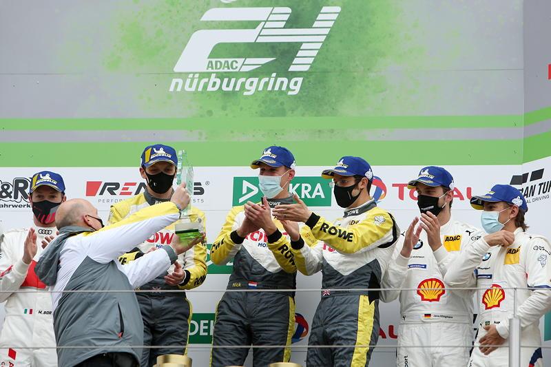 Nürburgring, 27.09.2020. 24h Nürburgring, Nordschleife, Gewinner im #99 BMW M6 GT3, ROWE Racing und drittplatziere Fahrer im #42 BMW M6 GT3, BMW Team Schnitzer.
