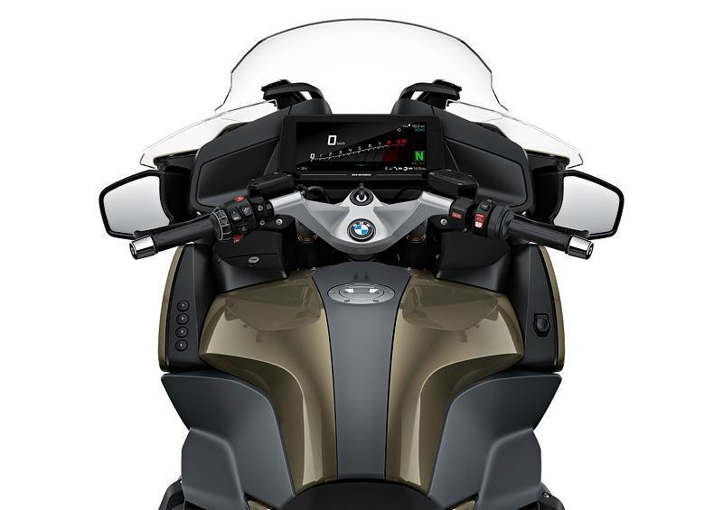 Die neue BMW R 1250 RT, Elegance. Farbe: Manhattan metallic.