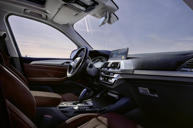 Der erste BMW iX3 - Interieur