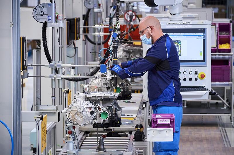 Produktion des hochintegrierten BMW E-Antriebs - Endmontage
