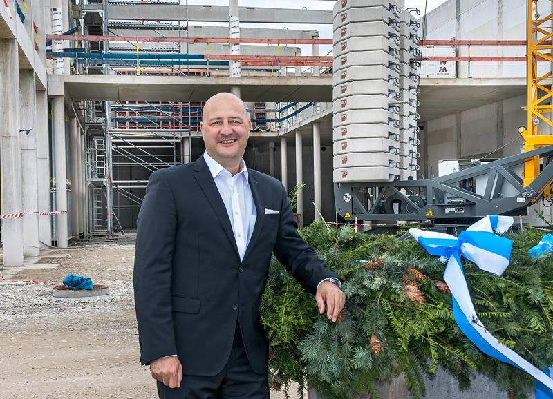 Richtfest der BMW Niederlassung Nürnberg am 25.09.2020. Thomas Fischer, Leiter der BMW Niederlassung Nürnberg.