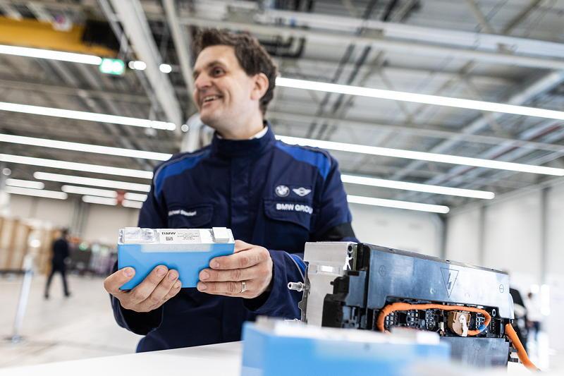 Mitarbeiter der zukünftigen Batteriemodulproduktion im BMW Group Werk Leipzig