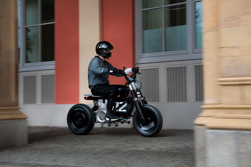 BMW Motorrad Concept CE 02. Alive Artwork.