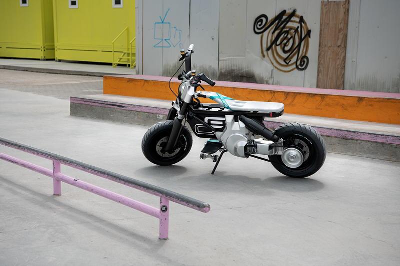 BMW Motorrad Concept CE 02. Inspire Artwork.