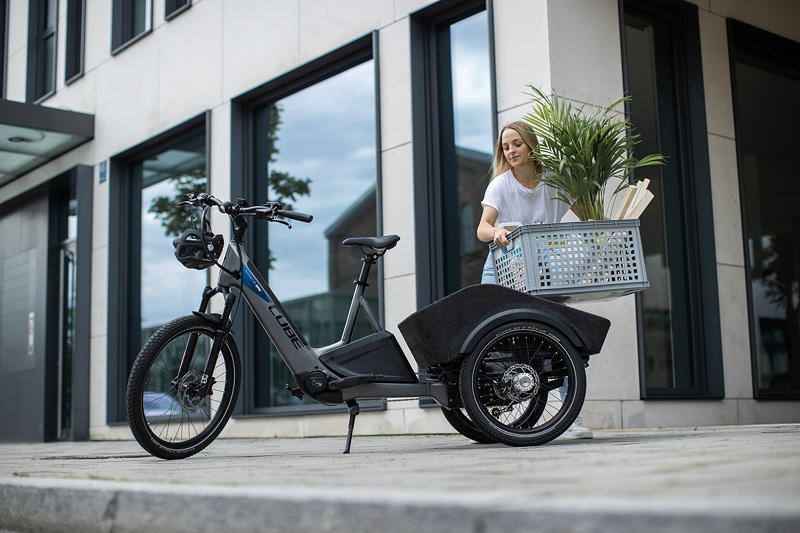 CUBE Concept Dynamic Cargo inspired by BMW.