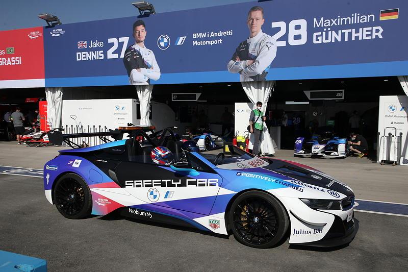 ABB FIA Formula E World Championship 2021, Diriyah E-Prix, 2. Rennen, BMW i8 Roadster Safety Car.