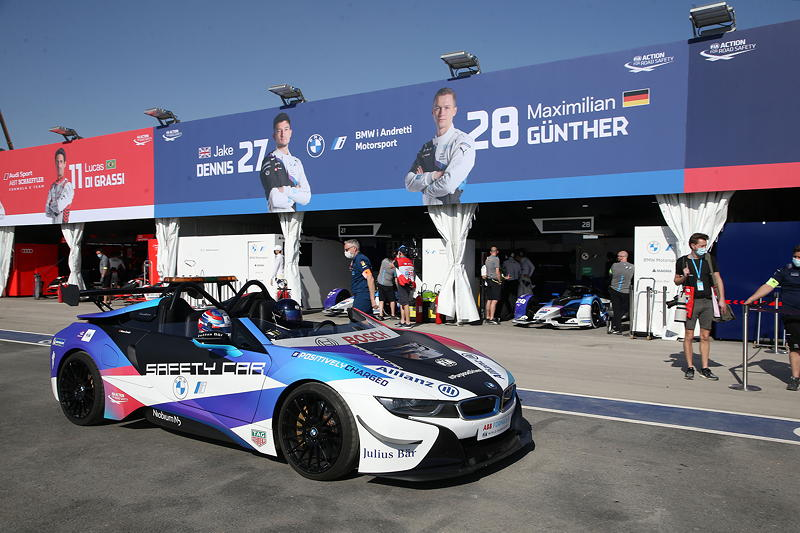 ABB FIA Formula E World Championship 2021, Diriyah E-Prix, 2. Rennen, BMW i8 Roadster Safety Car.