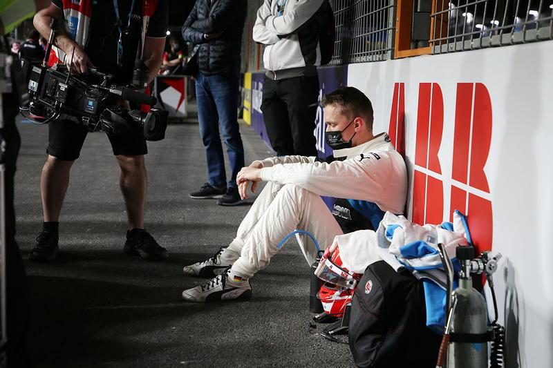 Am Boden: Maximilian Günther schied auch im 2. Saisonrennen der Formel E 2021 nach Unfall mit seinem BMW iFE.21 aus.