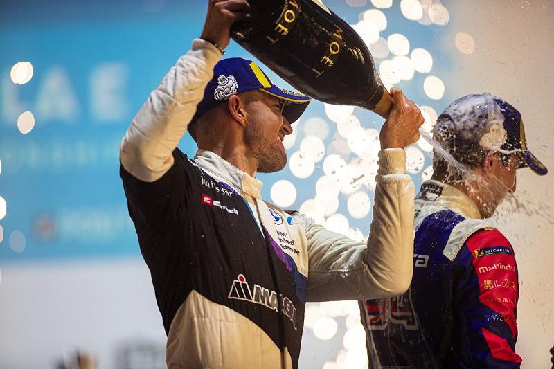 London (GBR), 23.-25.06.21. ABB FIA Formula E London E-Prix, Sieger Jake Dennis (GBR) #27 BMW iFE.21.